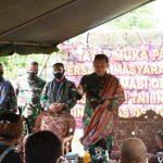 Tatap Muka Pangdam IX/Udayana bersama Masyarakat Desa Fatukanutu.