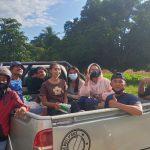 Alumni SMAN Harekakae - Malaka Berbagi Kasih Dengan Warga Korban Banjir