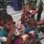 Anggota Yon Raider Sus 744 Selamatkan 3 Orang Anak Terjebak Banjir Selama 3 Hari