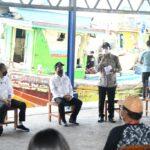 Presiden Jokowi Berdialog dengan para Nelayan di PPDI Brondong