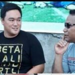 Dukung Tim Sepakbola PON NTT, Farry-Davo Lelang Jersey Koleganya.